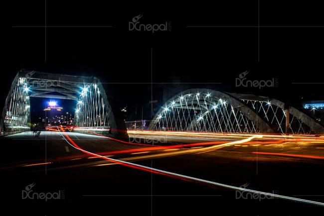 भव्य आर्कब्रिजमा 'रोशनी' को गहना (फोटोफिचर)