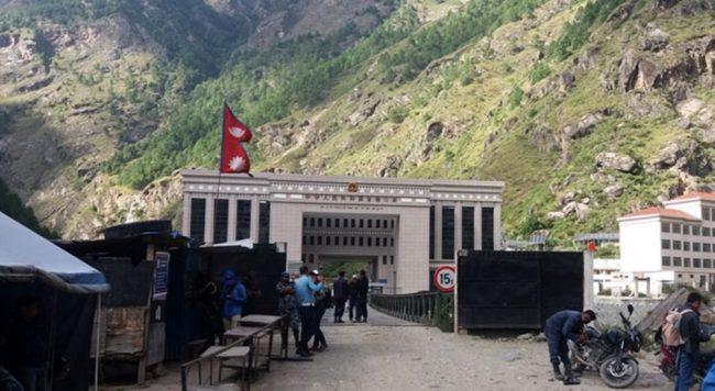 चीनबाट स्वास्थ्य सामग्री नेपाल भित्रियो