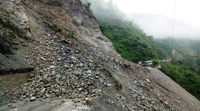 एक वर्ष नपुग्दै भासियो नारायणगढ–मुग्लिन सडक