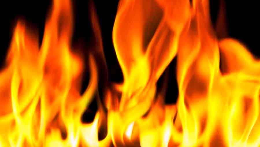 आगलागीबाट पाँच घर जले