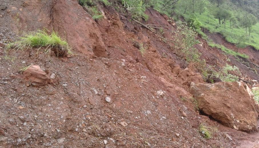 बागलुङमा विपद्ः ७७ घरमा क्षति, २१५ उच्च जोखिममा