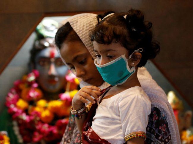विश्वभर कोरोना संक्रमितको संख्या १ करोड ९३ लाख भन्दा धेरै, पाकिस्तानले सुरु गर्यो अन्तर्राष्ट्रिय उडान