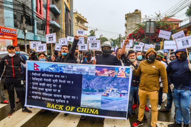 चीनले नेपाली भूमिमा भवन बनाएको विरोधमा प्रदर्शन (फोटोफिचर)