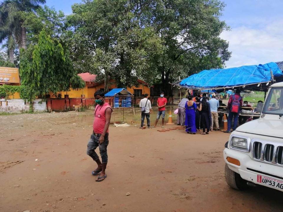 कञ्चनपुरबाट दैनिक १५ सयको हाराहरीमा नेपाली कामदार भारत जाँदै