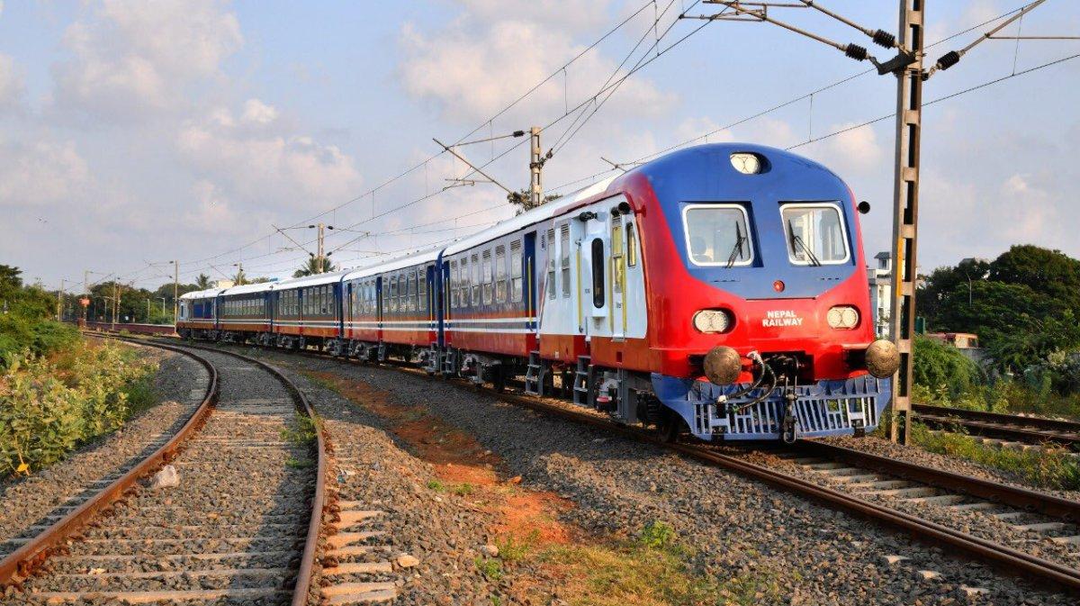 शुक्रबार नेपाल आइपुगेकाे आधुनिक रेल कहिलेदेखि चल्छ?