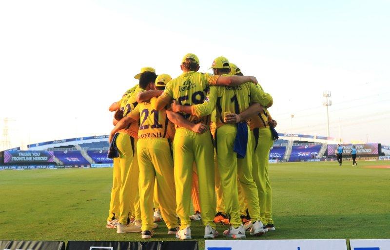 आईपीएलको पहिलो खेलमा मुम्बईमाथि चेन्नईको सजिलो जित