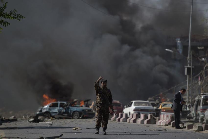 अफगानिस्तानमा कार बम आक्रमण, कैयौँ सुरक्षाकर्मीको मृत्यु