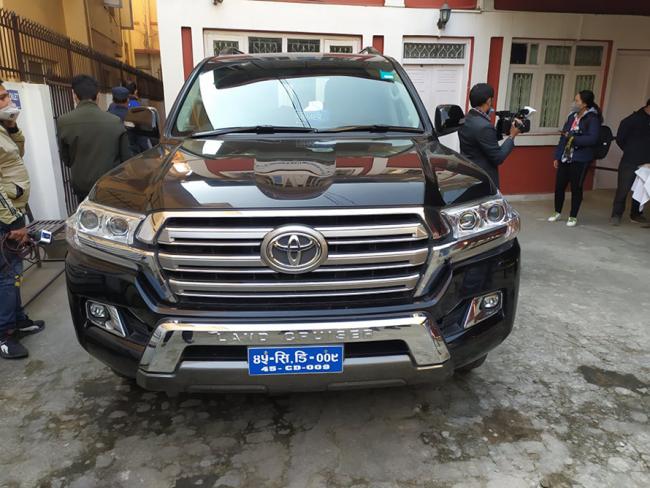 कतार रोजगारः अन्तर्वार्ता अनुगमनमा आएका कतारी टोलीलाई गाडी दिएको दूतावासको स्वीकारोक्ति