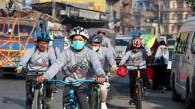 महिला हिंसा अन्त्यका लागि १६ दिने अभियानका क्रममा साइकल र्याली