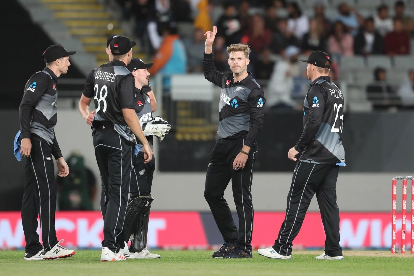 न्यूजल्याण्ड विरुद्धको पहिलो टेस्टमा वेष्ट इन्डिज फलो अनमा