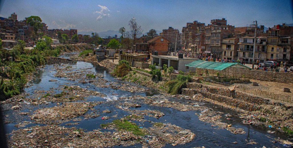 वाग्मती र सहायक नदी किनारमा मापदण्डविपरीत बनेका संरचना हटाइने