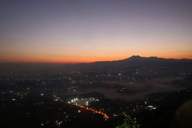 चम्पादेवीबाट देखिएको काठमाडौँ उपत्यका