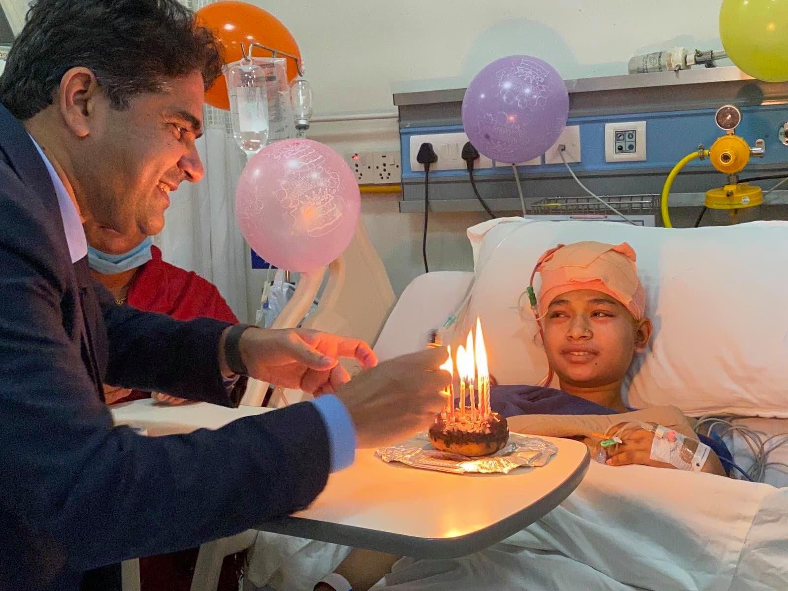 जन्मदिनकै दिन जटिल शल्यक्रिया, होस खुल्नेबित्तिकै अस्पतालबाट 'बर्थडे सेलिब्रेसन' !