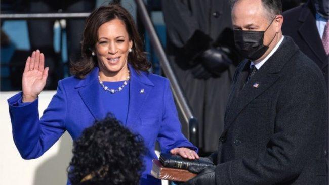 अमेरिकी पहिलाे महिला उपराष्ट्रपति ह्यारीसले भनिन्, 'म आज याे ठाउँमा उनैका कारण छु, जाे महिला म भन्दा पहिला आइन्'