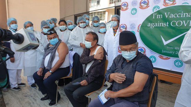 काेराेना विरूद्धकाे खाेप अभियान : धुलिखेल अस्पतालमा २९० जनाले खाेप लगाए