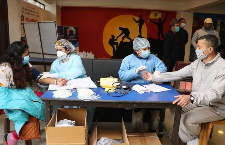 कोरोना पश्चात पहिलोपटक समृद्धि स्कुलमा गरियो रक्तदान कार्यक्रम