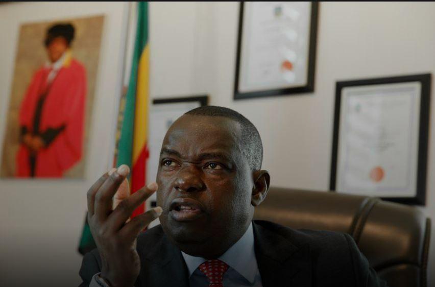 कोरोना संक्रमण पुष्टि भएको अर्को दिन जिम्बाब्बेका विदेशमन्त्रीको निधन