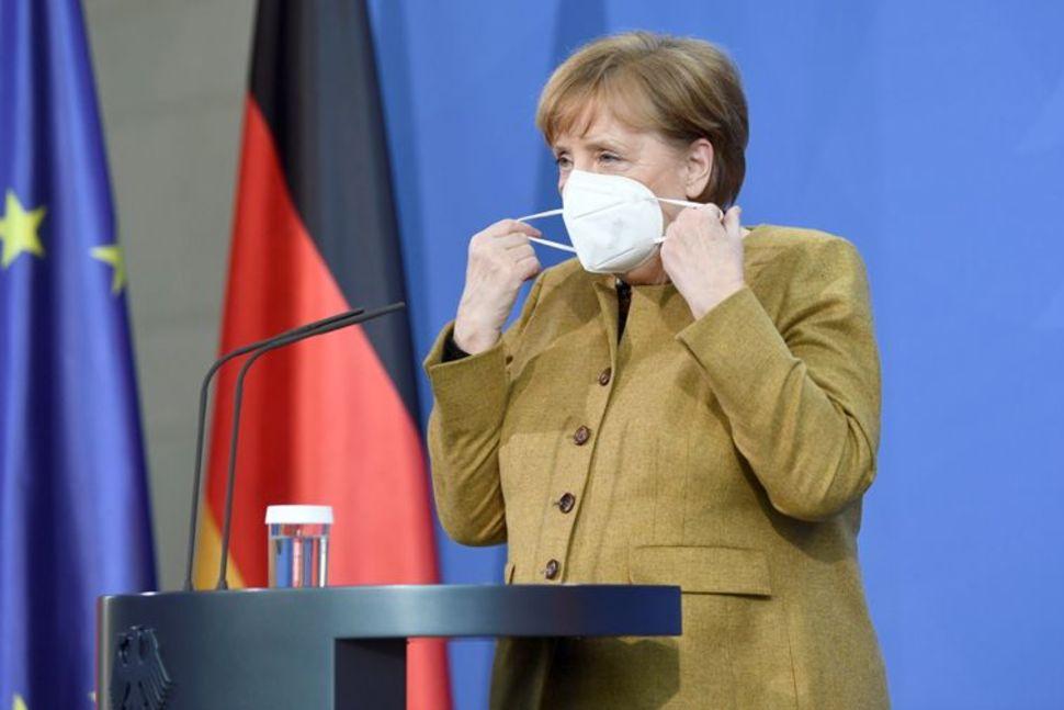 जर्मनीमा महामारी नियन्त्रणका लागि लगाइएका केही प्रतिबन्धलाई खुकुलो पारिँदै
