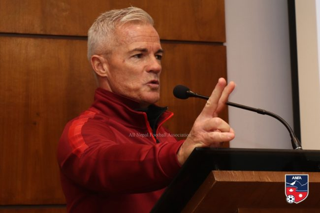 महिला फुटबल टिमको मुख्य प्रशिक्षक ग्यारी फिलिप्स नियुक्त