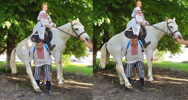 मान्छे चढेको घोडालाई नै जुरुक्क उचालेर काँधमा हालेर दौडिएपछि…