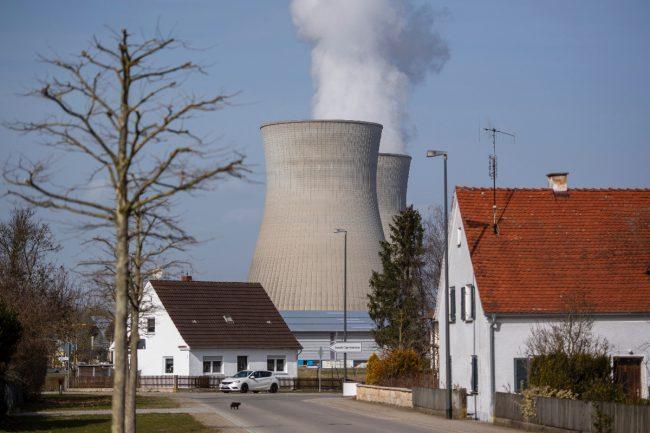 आणविक निकासका लागि जर्मनीले उर्जा कम्पनीलाई २.४ अर्ब यूरो क्षतिपूर्ति दिने