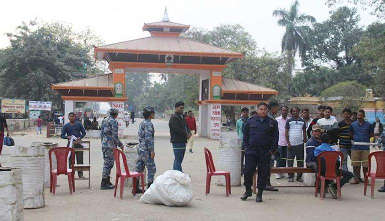 काेराेना संक्रमण नियन्त्रण बाहिर जान थालेपछि नेपाल-भारत सीमा नाका बन्द गर्ने तयारी