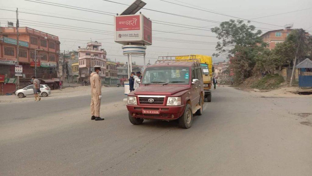 निषेधाज्ञाको पहिलो दिन सुनसान काठमाडौं (फोटो फिचर)
