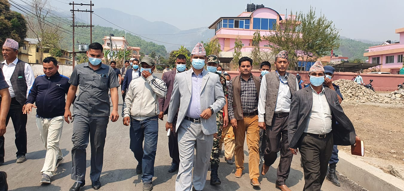 माधव नेपाल समूह र काँग्रेसले साथ दिएपछि जोगियो महेन्द्र शाहीको सरकार