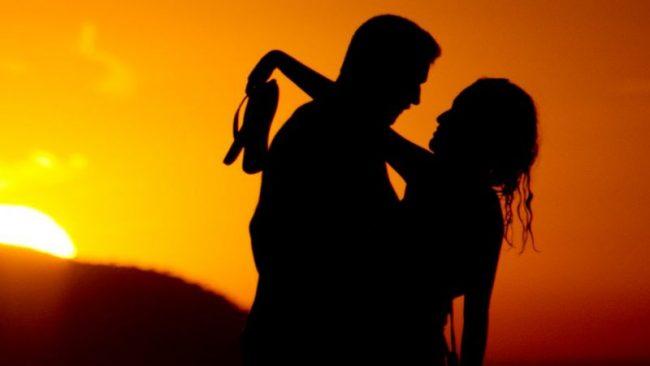 काेराेना महामारीले यसरी बिगार्यो हाम्रो यौन जीवन