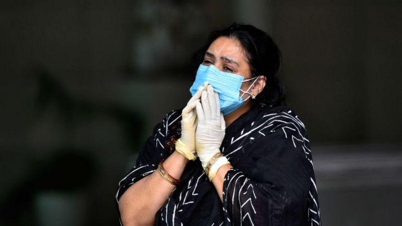 भारतमा कोरोना भाइरस सङ्क्रमण ओरालो लाग्न थालेको हो?