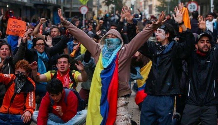 प्रदर्शनका क्रममा कोलम्बियामा ३१ जनाको मृत्यु