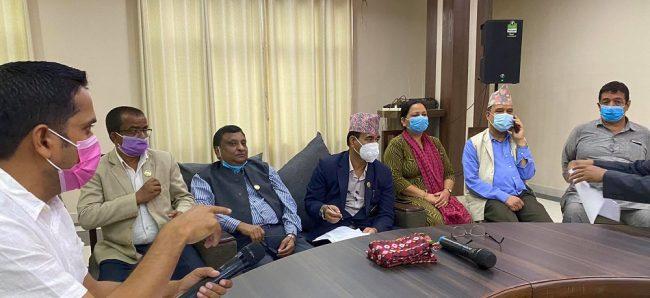 लुम्बिनीमा मुख्यमन्त्री पोखरेललाई विपक्षीले बहिस्कार गर्ने, राजीनामा दिएका पाण्डेय काँग्रेसमा प्रवेश