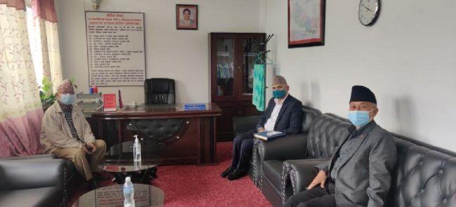 एमाले विवादः सिंहदरवारमा माधव नेपाल, विष्णु पौडेल र नेम्वाङबीच वार्ता जारी