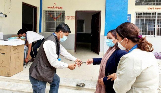 वीरेन्द्रनगरद्वारा अक्सिजनसहितको २५ शैया कोभिड अस्पताल सञ्चालन