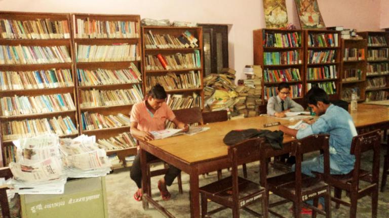 पुस्तकालय पुग्दैनन् पाठक धमाधम बन्द हुँदै