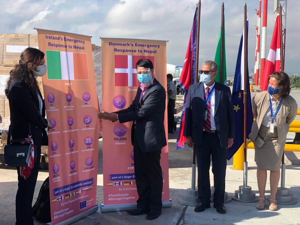 डेनमार्क र आयरल्याण्डद्वारा नेपाललाई स्वास्थ्य सामग्री सहयोग
