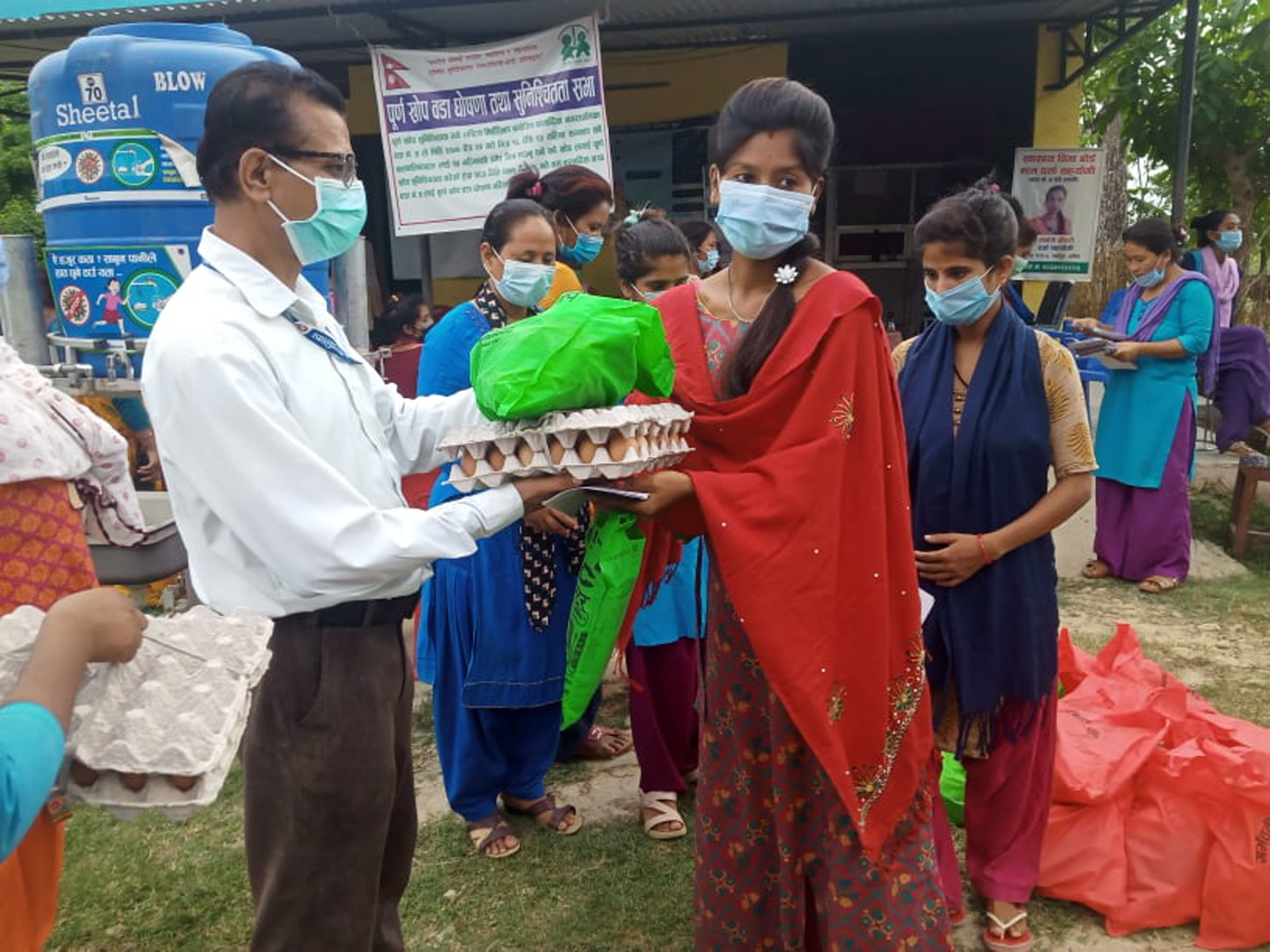 गर्भवतीलाई बारबर्दियाको उपहार, दूध सङ्कलन केन्द्रमा अनुदान