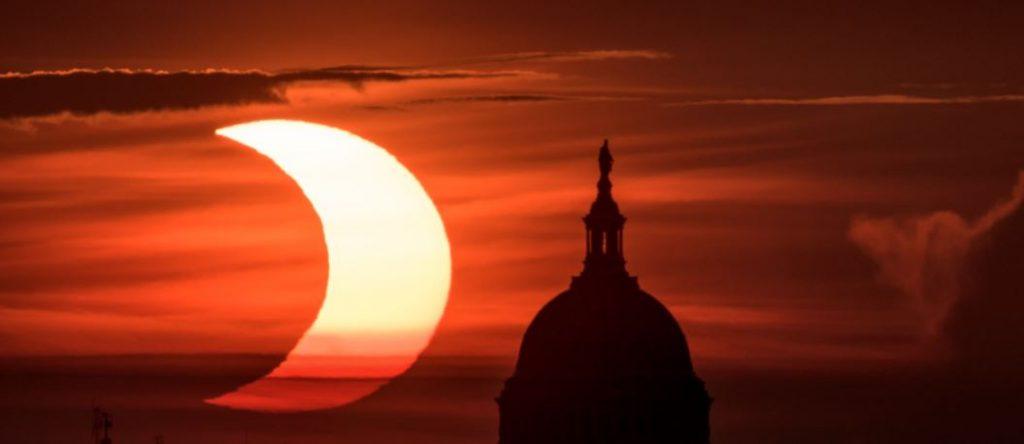 यस्तो देखियो सूर्य ग्रहण (फोटोफिचर)