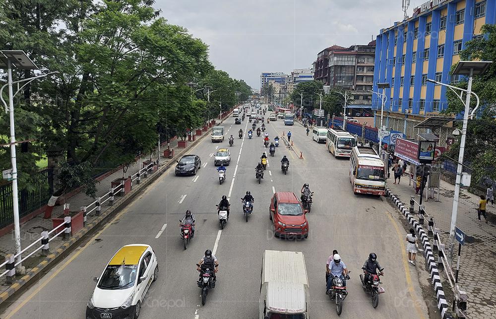 जोरविजोर हटेपछि काठमाडौंको दृष्य (फाेटाेफिचर)