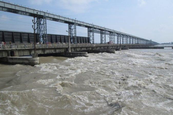 सप्तकोशी नदीमा पानीको बहाव यस वर्षकै उच्च, विभिन्न ठाउँमा कटान सुरु