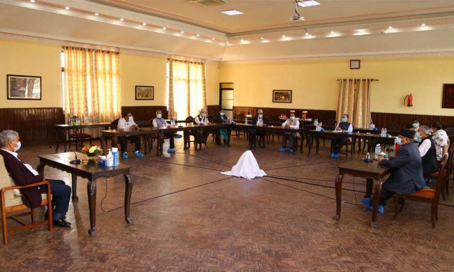सत्ता गठबन्धन बैठक : मन्त्रालय बाँडफाँड गर्ने जिम्मा शीर्ष नेतालाई