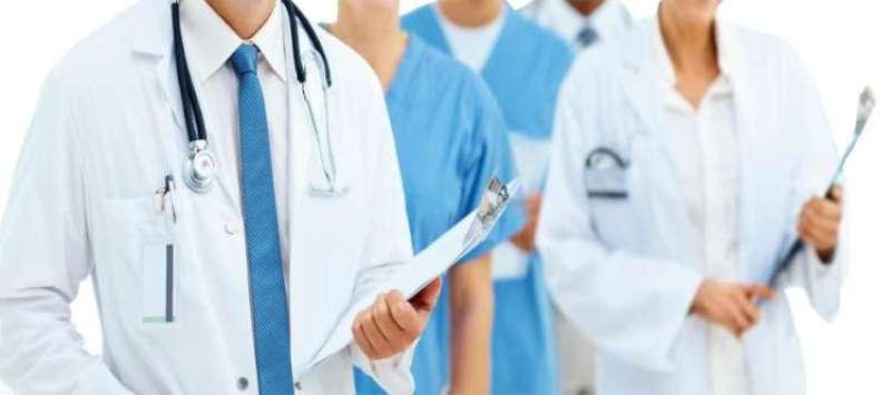 चिकित्सक दम्पतीको निःशुल्क विशेषज्ञ सेवा