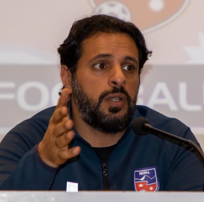 राष्ट्रिय फुटबल टिमका मुख्य प्रशिक्षक अलमुताइरीले माफी मागे