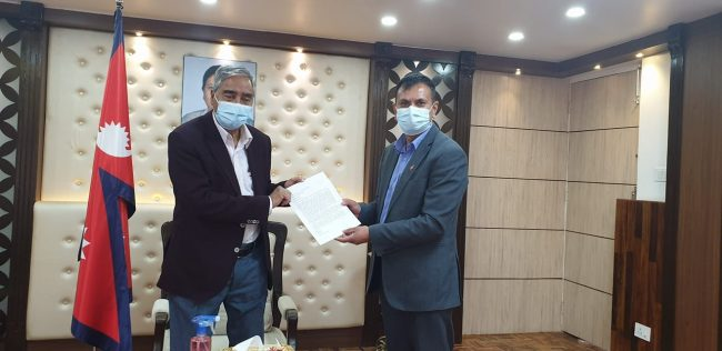 प्रधानमन्त्री देउवालाई भेटेर नेपाल टेलिभिजनका अध्यक्ष विष्टले दिए राजीनामा