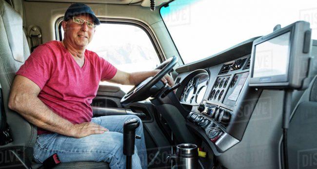 ट्रक ड्राइभरहरुलाई १ करोडभन्दा धेरै तलब, ड्राइभरले भने 'यति त मेरो मालिकले पनि कमाउँदैनन्'