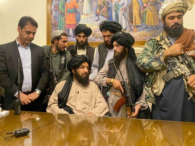 अफगानिस्तानका छात्रालाई 'चाडै' विद्यालय फर्काउने तालिबानको दाबी