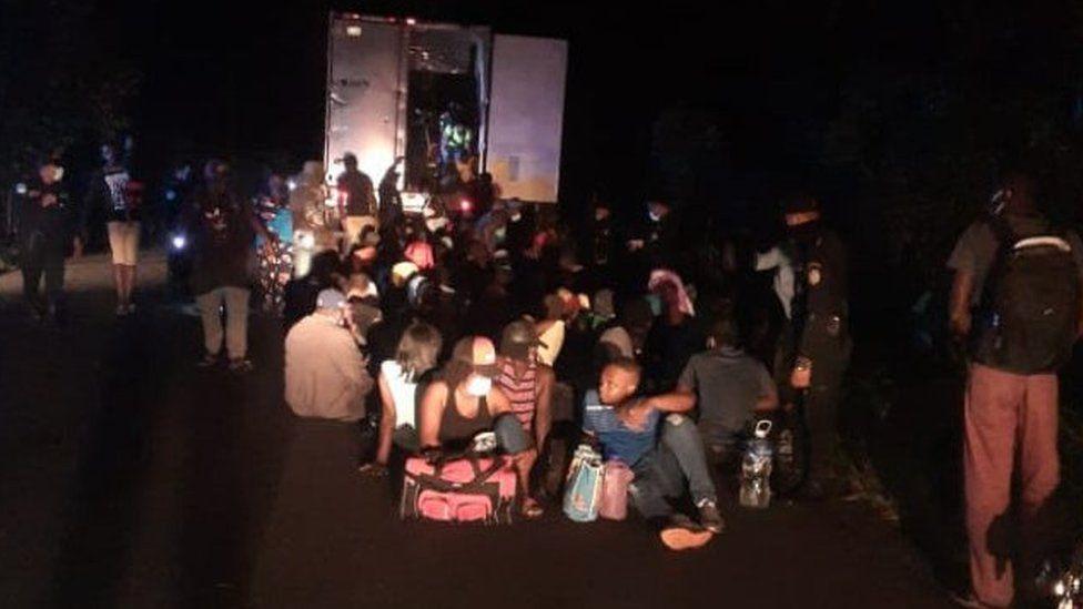 कन्टेनरमा थुनेर अमेरिका लैजान लागिएका ११ नेपालीसहित १२६ आप्रवासीको ग्वाटेमालाबाट उद्धार