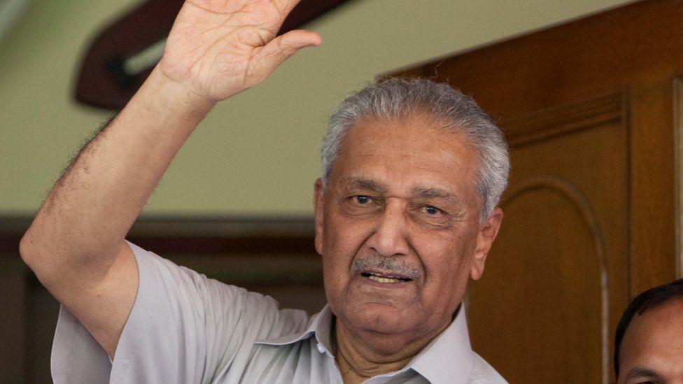पाकिस्तानलाई परमाणु शक्तिसम्पन्न देश बनाउने वैज्ञानिक डा. अब्दुल कादिर खानको निधन