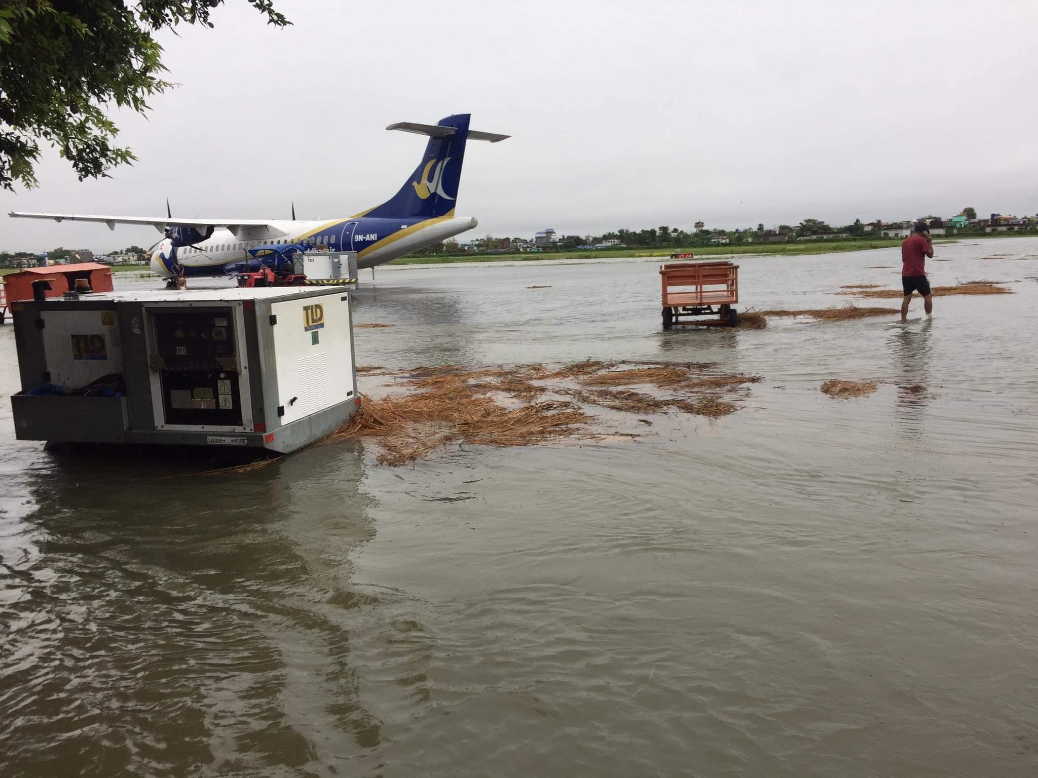 वर्षाले विराटनगर विमानस्थलमा बाढी पस्याे, उडान अवरूद्ध