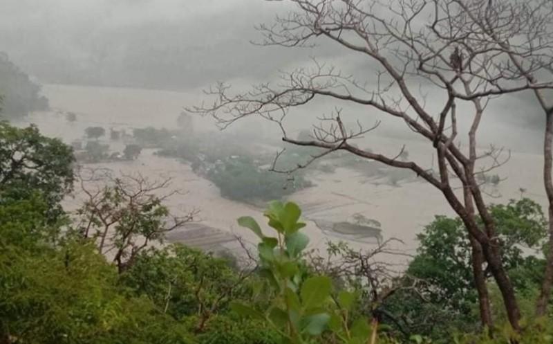 बैतडीको ढुंगाडका ६० व्यक्ति टापुमा फसे, दुई सय बिगाह जमीन डुबानमा